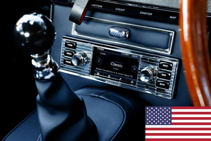 BD11020 - North American Jaguar Classic Infotainment System in chrome