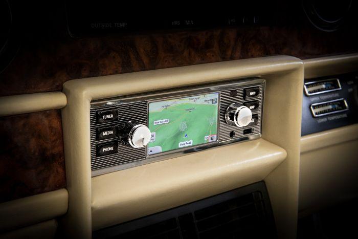 BD11022 - North American Universal Classic Infotainment System & Radio