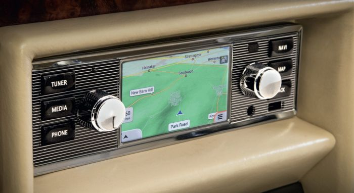 BD11019 - Universal Classic Infotainment System & Radio